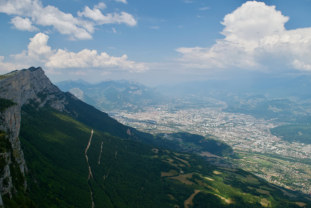 View of Grenoble from the Vercors ridge, with the Moucherotte along the shoulder