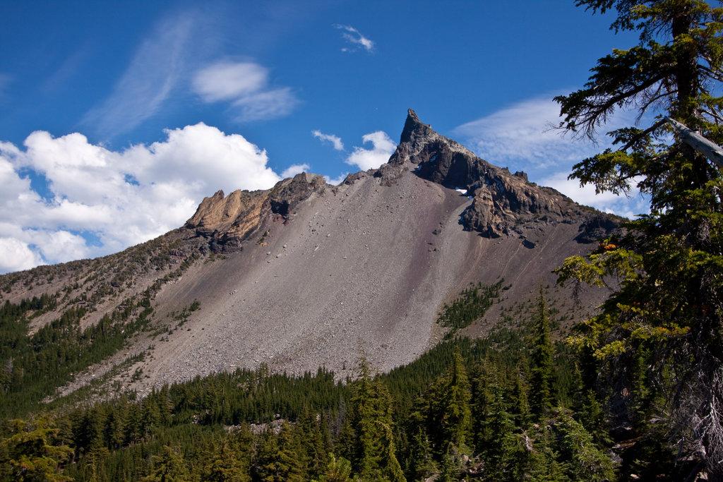 Photo №1 of Mount Thielsen