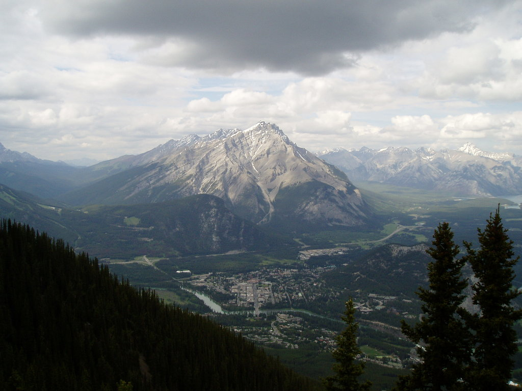 Photo №1 of Cascade Mountain