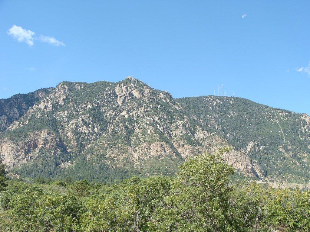 Photo №1 of Cheyenne Mountain