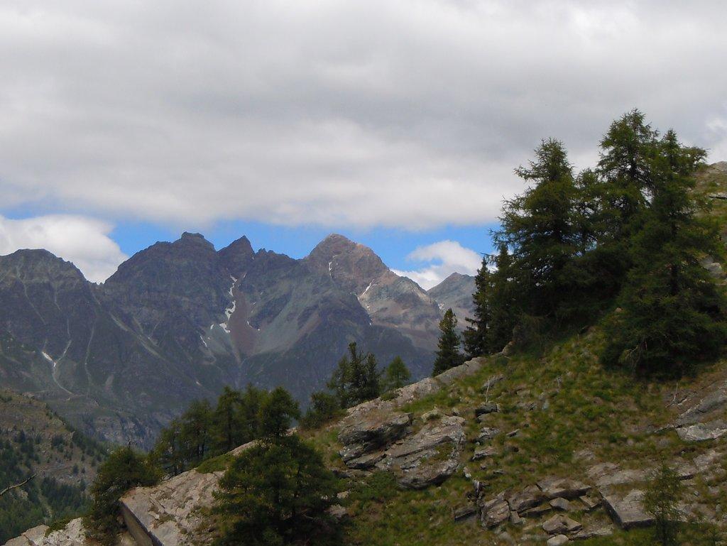 Photo №1 of Becca di Luseney