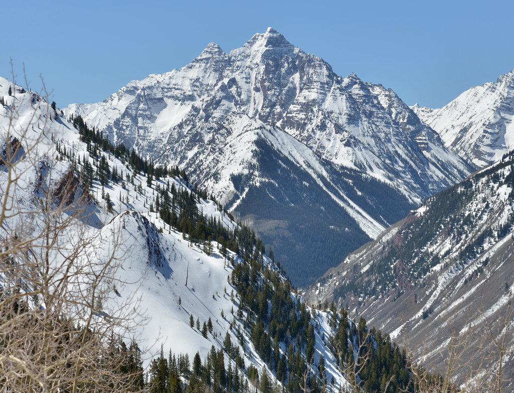 Photo №2 of Pyramid Peak