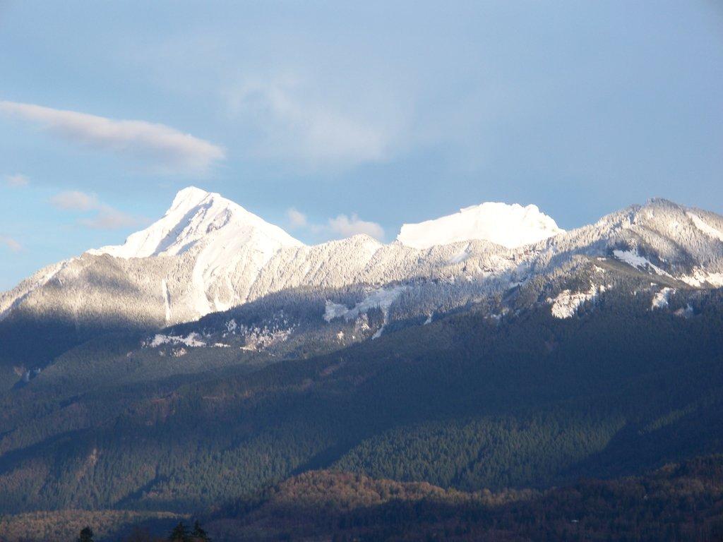 Photo №2 of Cheam Peak