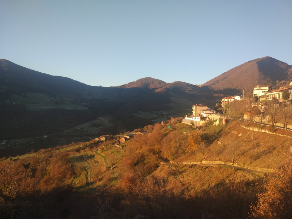 Photo №1 of Monte Bronzone