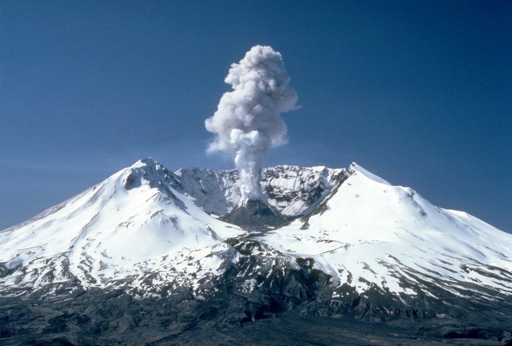Photo №1 of Mount Saint Helens