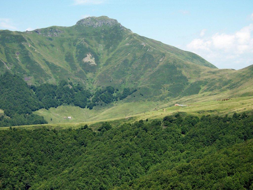 Photo №1 of Puy de Peyre Arse