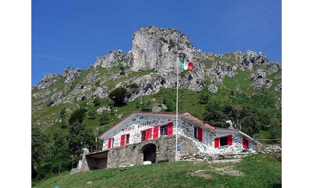 Photo №2 of Rifugio Menaggio